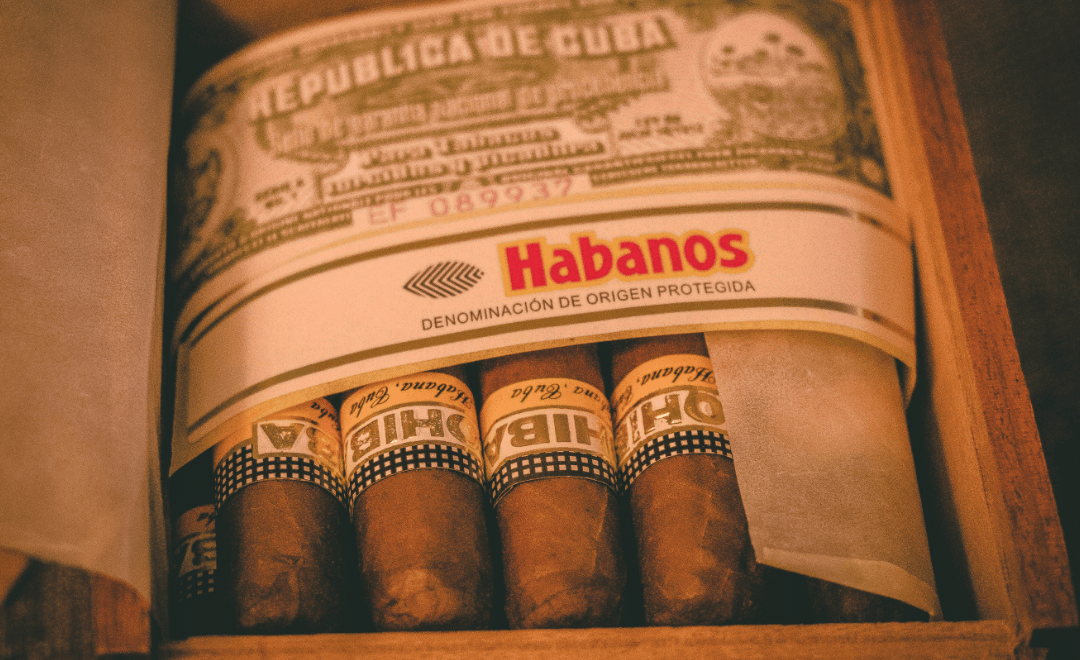 How to Start a Cigar Club: 7 Tips to Finding Your Ten Best Men